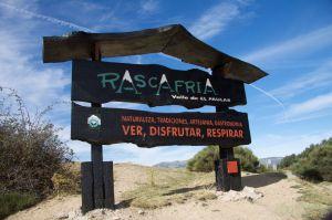 Cartel de bienvenida al Valle de El Paular. Puerto de la Morcuera
